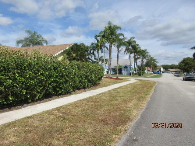 1739 Banyan Creek Court Boynton Beach, FL 33436 photo 12