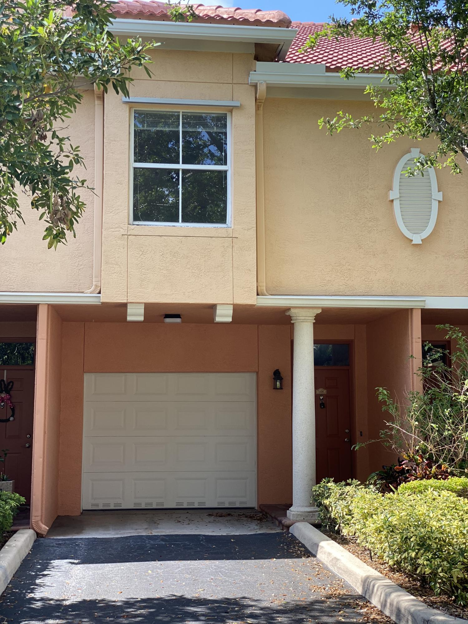 2032 Alta Meadows Lane 1106  Delray Beach, FL 33444