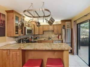 1513  15th Court 1513 For Sale 10615365, FL