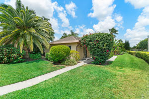 13781  Eastpointe Way 13781 For Sale 10615337, FL