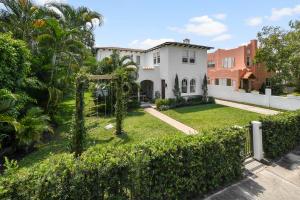 306  Marlborough Place  For Sale 10615509, FL