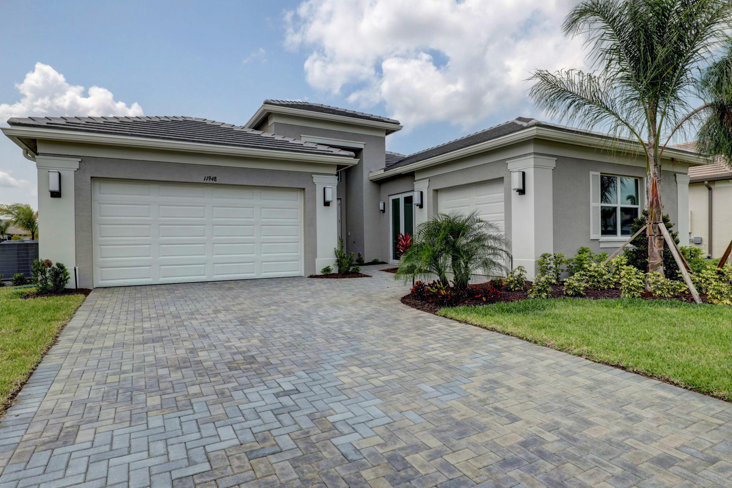 Photo of 11948 SW Marigold Lakes Drive, Port Saint Lucie, FL 34987