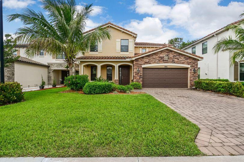 8881 Willow Cove Lane Lake Worth, FL 33467