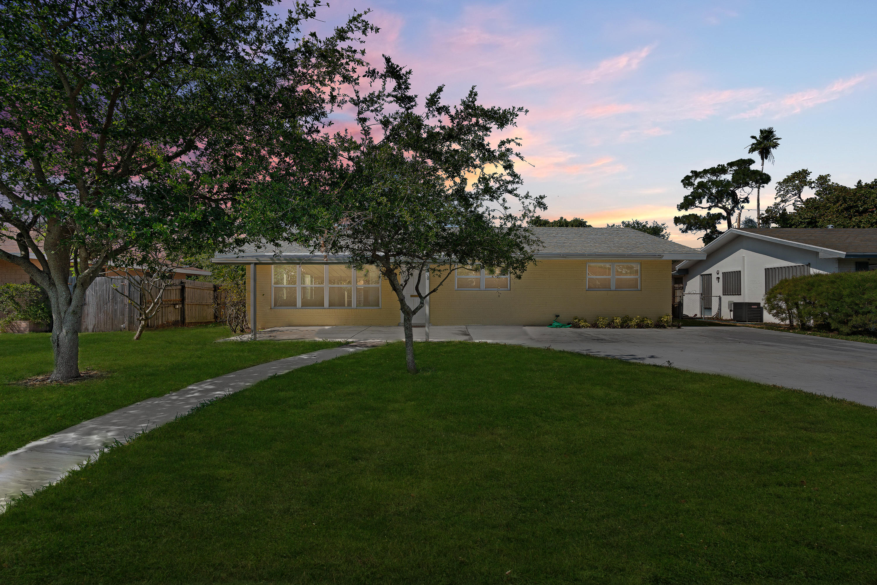 Home for sale in knotty pine acres             w 20 ft of lt 33 & e 50 ft of West Palm Beach Florida