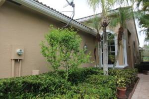 Property for sale at 4630 Carlton Golf Drive, Lake Worth,  Florida 33449