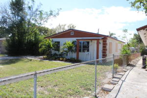 556 W Martin Luther King Jr Blvd Boulevard  For Sale 10615742, FL