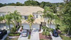 9021  Tremezzo Lane  For Sale 10615798, FL