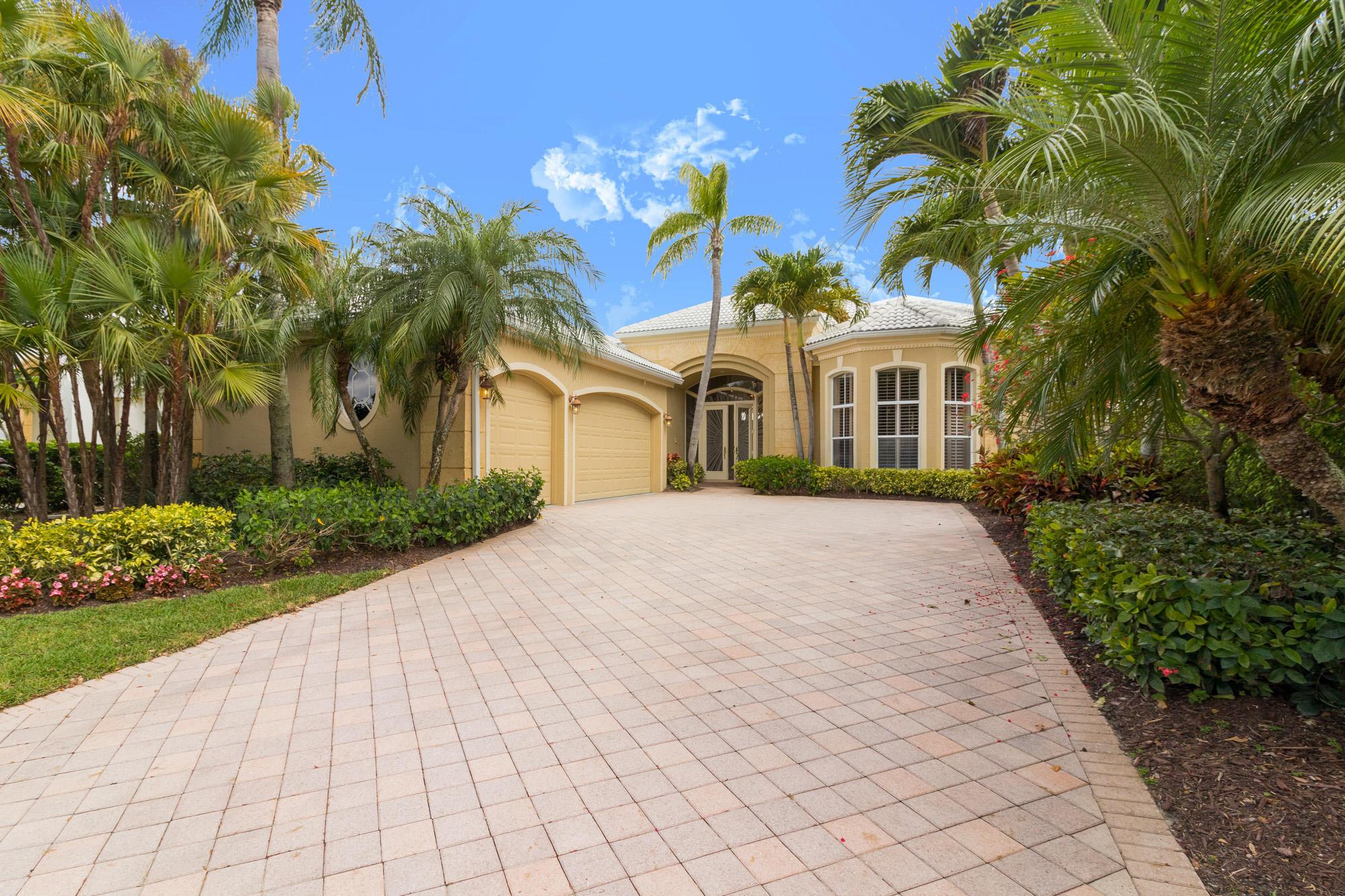 1136 Crystal Drive, Palm Beach Gardens, Florida 33418, 4 Bedrooms Bedrooms, ,5 BathroomsBathrooms,F,Single family,Crystal,RX-10605035