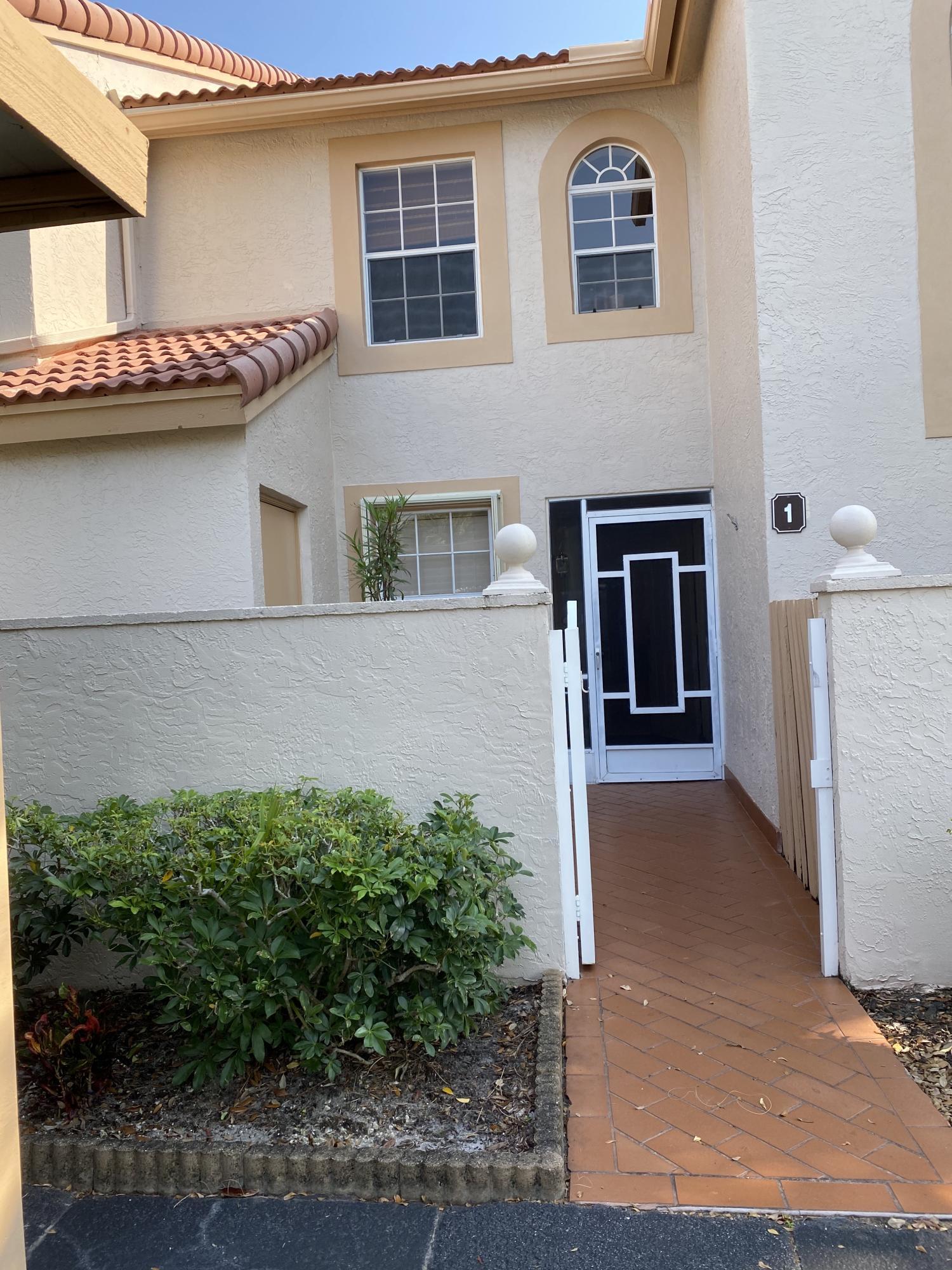 14394 Via Royale 1  Delray Beach, FL 33446