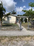 2731 NE 4th Street  For Sale 10616354, FL