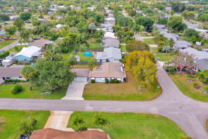 401  Erie Drive  For Sale 10615603, FL