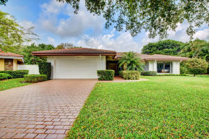 4312  Lakewood Drive  For Sale 10616649, FL