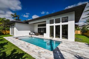 275 NE 6th Court  For Sale 10616944, FL