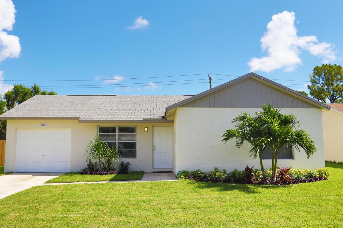135 Village Circle, Jupiter, Florida 33458, 3 Bedrooms Bedrooms, ,2 BathroomsBathrooms,A,Single family,Village,RX-10617012