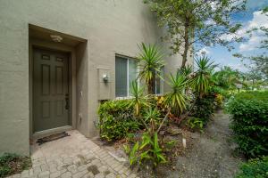 3164  Laurel Ridge Circle  For Sale 10617205, FL