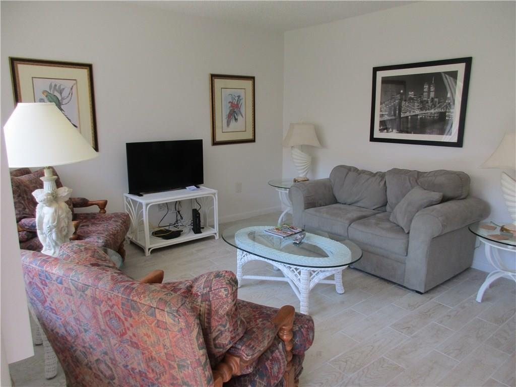 853 19th Street 2, Vero Beach, Florida 32960, 2 Bedrooms Bedrooms, ,1 BathroomBathrooms,F,Apartment,19th,RX-10617097