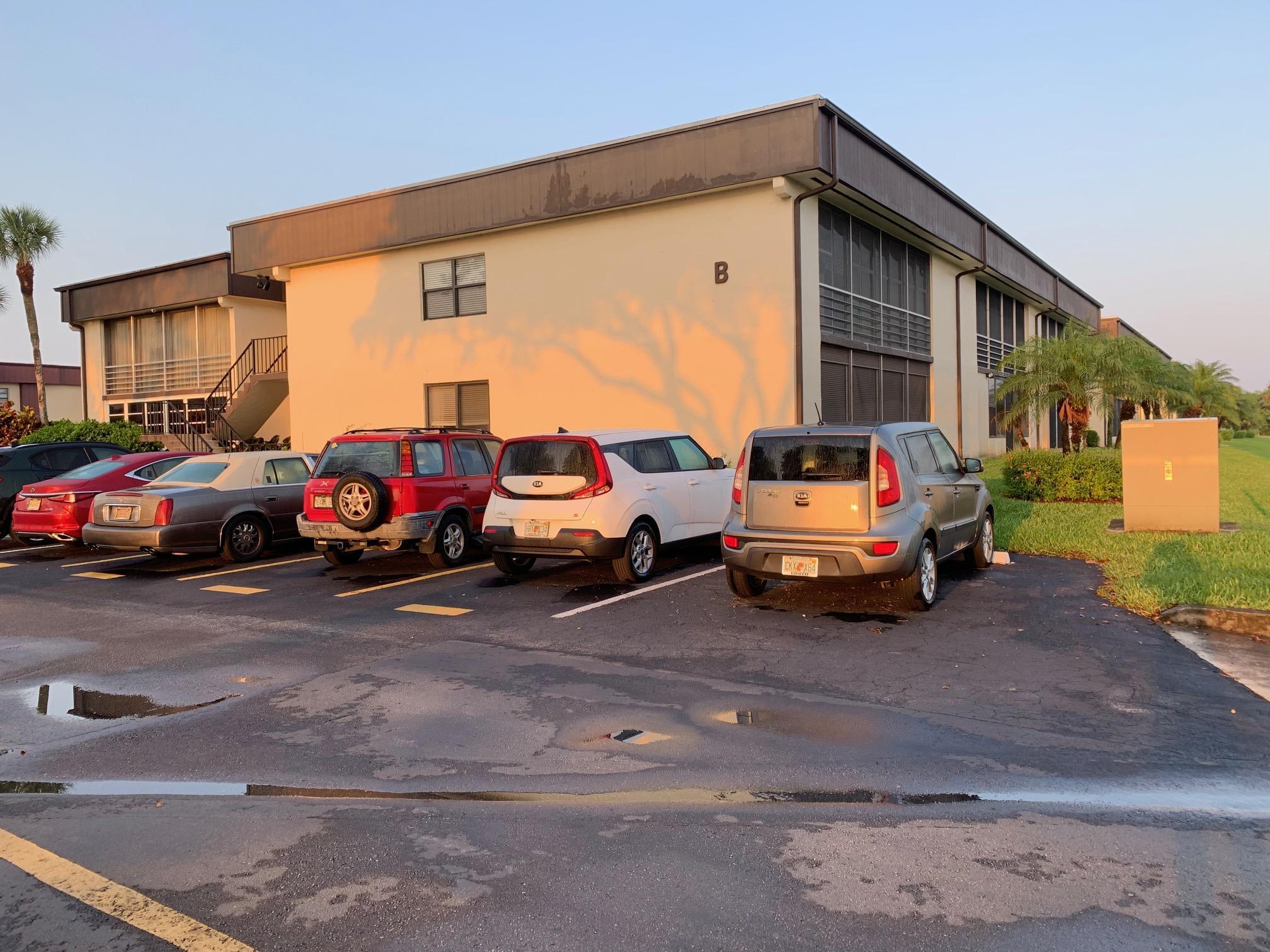 58 Capri B, Delray Beach, Florida 33484, 2 Bedrooms Bedrooms, ,2 BathroomsBathrooms,F,Condominium,Capri B,RX-10617150