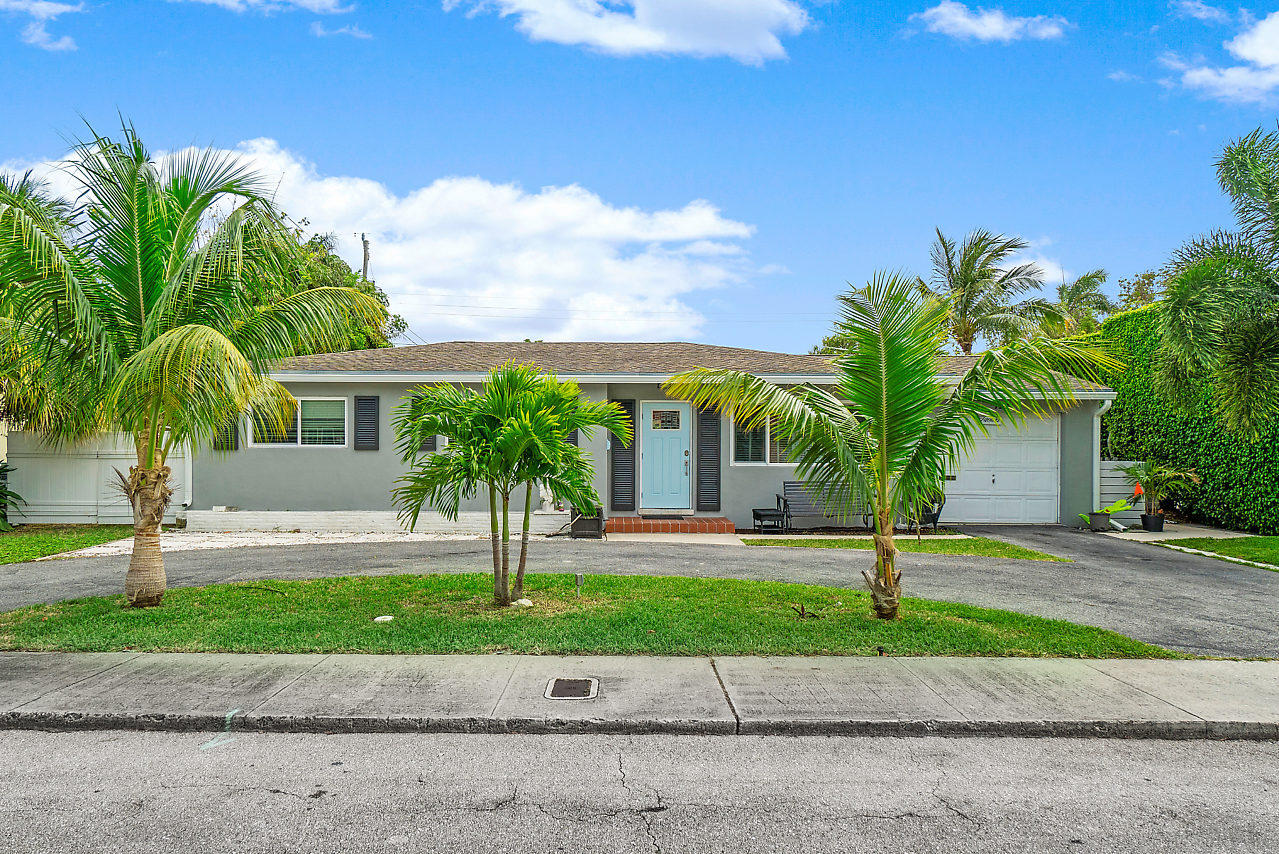 124 Gregory Place  West Palm Beach FL 33405
