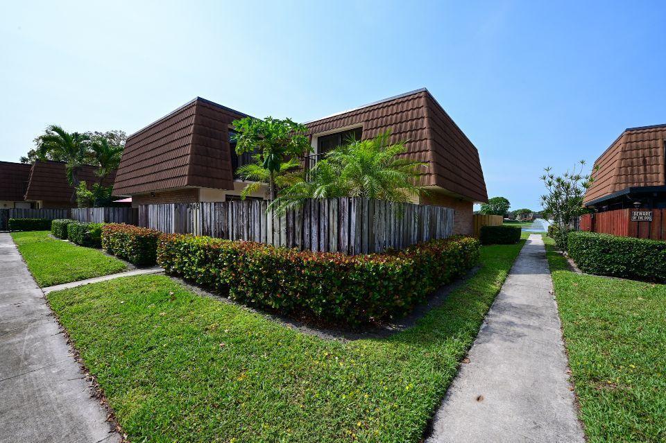245 Charter Way West Palm Beach, FL 33407