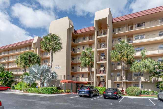 Home for sale in POINCIANA PLACE CONDO 1,2,8 AND 9 Lake Worth Florida