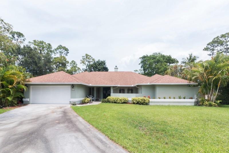 Home for sale in BARRINGTON WOODS OF WELLINGTON Wellington Florida