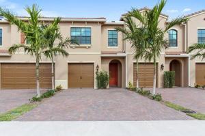 9996  Brickhill Drive 79 For Sale 10618371, FL