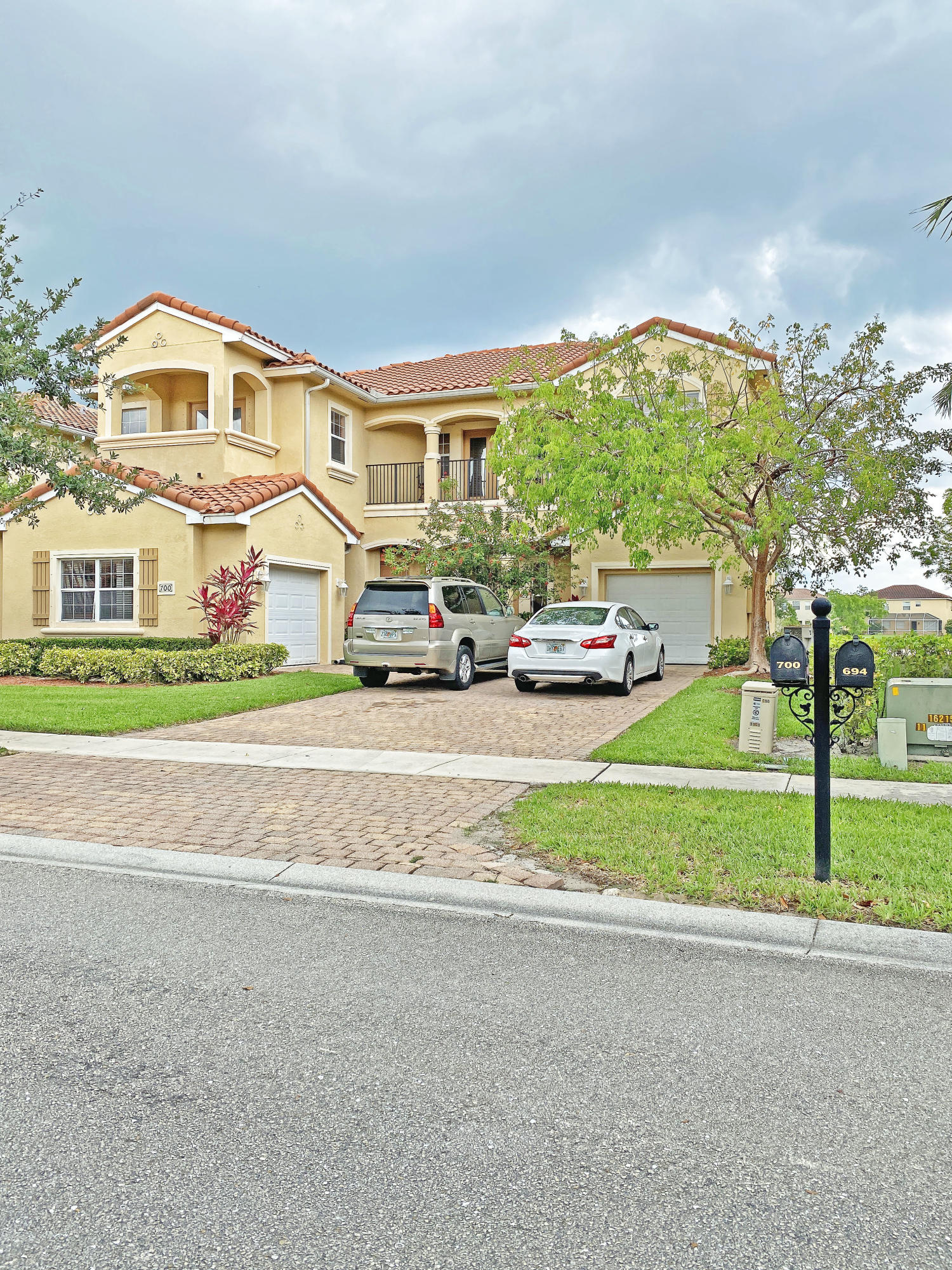 700 Cresta Circle West Palm Beach, FL 33413
