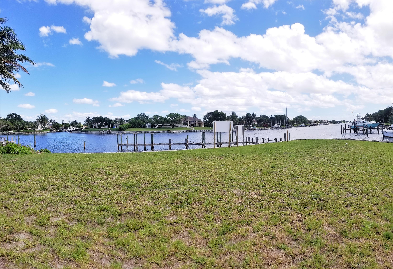 12900 N Shore Drive Palm Beach Gardens, FL 33410 photo 2