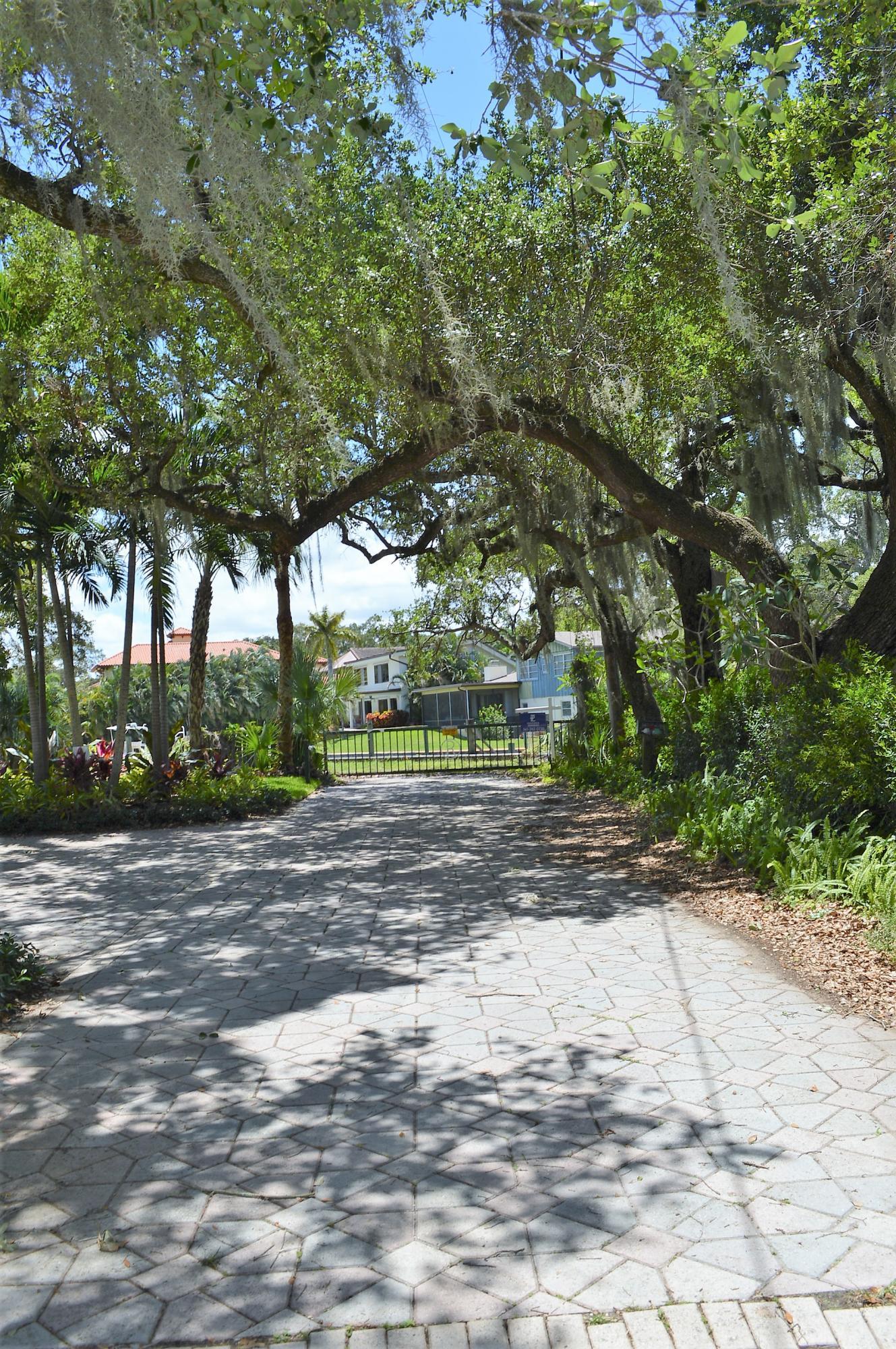 12900 N Shore Drive Palm Beach Gardens, FL 33410 photo 8