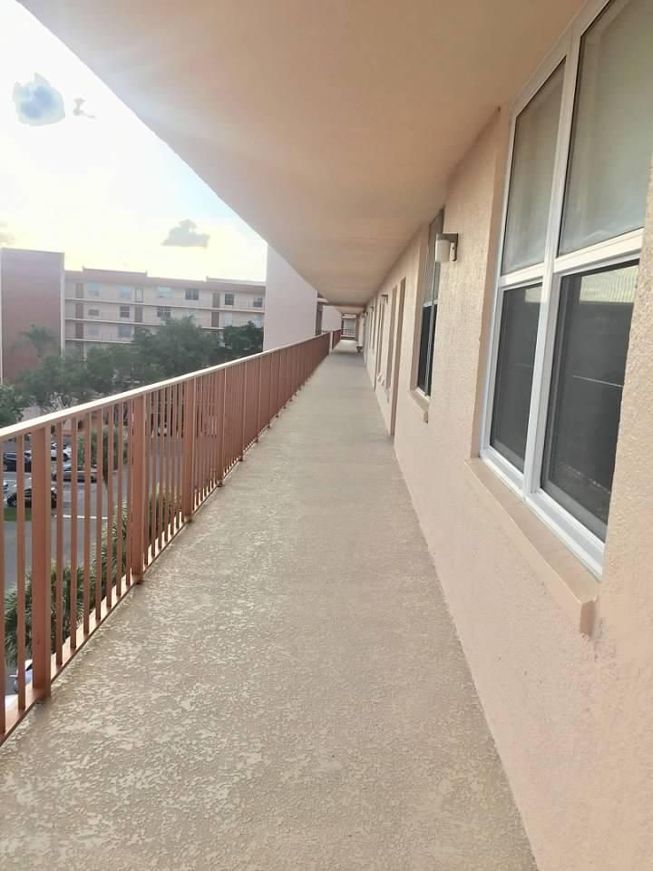 14527 Bonaire Boulevard 609 Delray Beach, FL 33446 photo 3