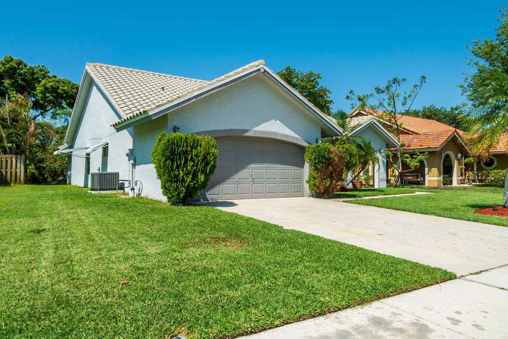 5270 Helene Circle  Boynton Beach FL 33472