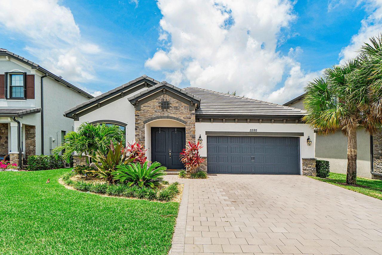5595 Sandbirch Way Lake Worth, FL 33463