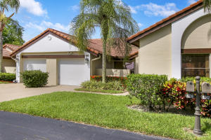 8238  Mooring Circle  For Sale 10619382, FL