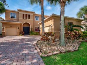 8608  Palisades Lake Drive  For Sale 10619573, FL