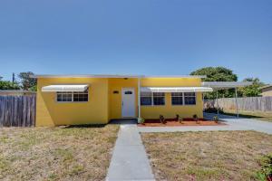2627 NE 4th Street  For Sale 10619604, FL