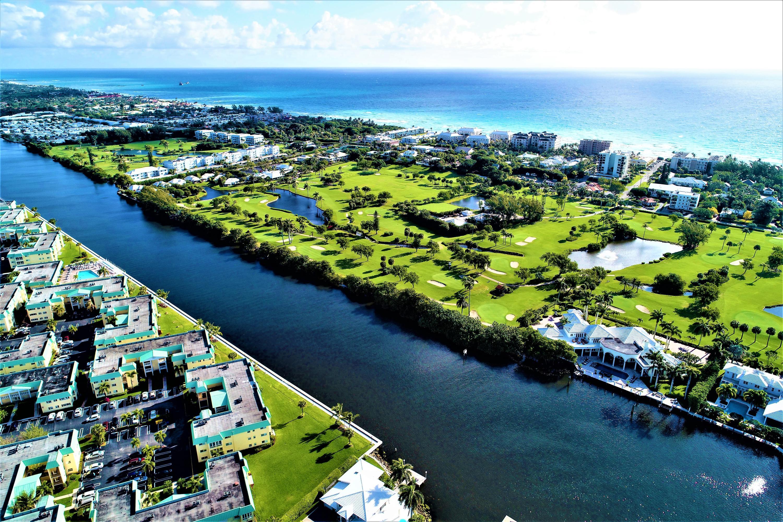 Home for sale in Colonial Club Boynton Beach Florida