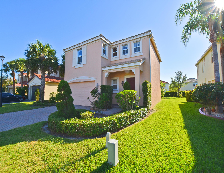 2724 Pienza Circle Royal Palm Beach, FL 33411