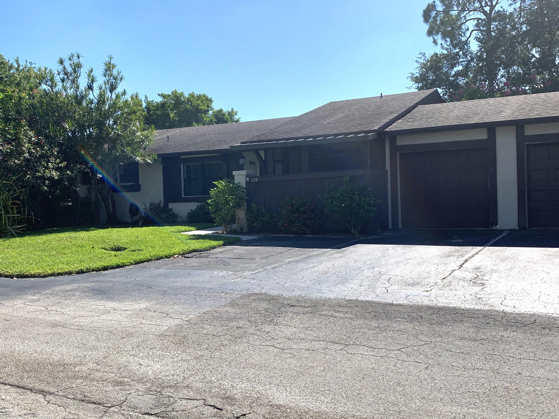 110 Conaskonk Circle Royal Palm Beach, FL 33411