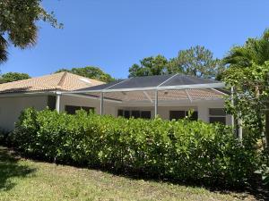 1004  Silverleaf Oak Court  For Sale 10620526, FL