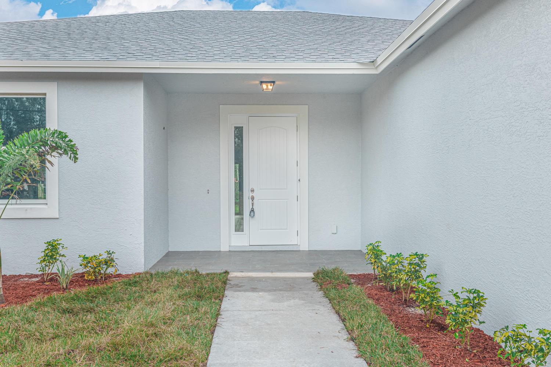 2142 SW Pruitt Street Port Saint Lucie, FL 34953