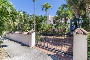 252  Barcelona Road  For Sale 10621225, FL