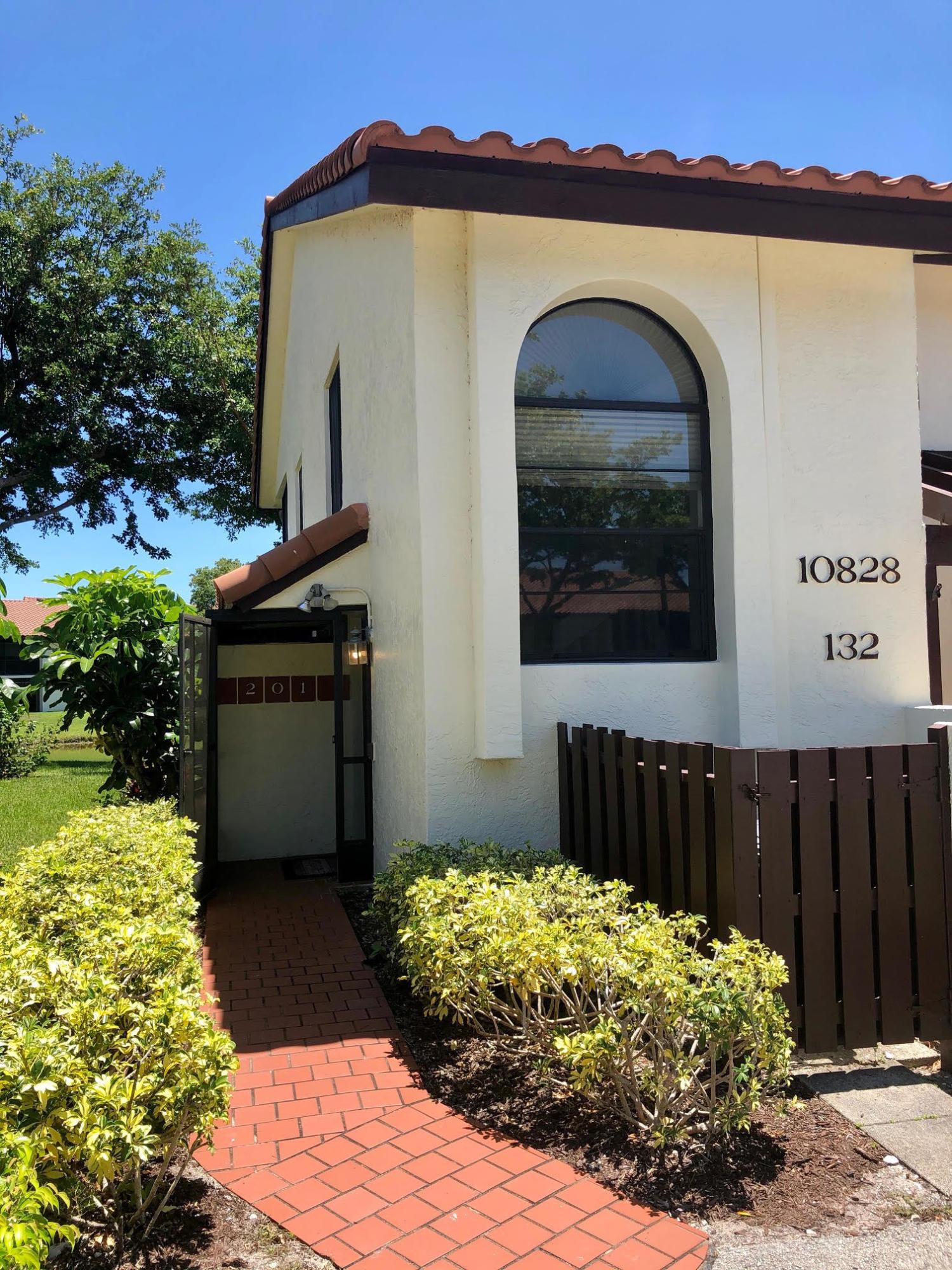 10828 Lake Palm Lane 201  Boynton Beach FL 33437