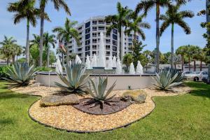 20320  Fairway Oaks Drive  334 For Sale 10620797, FL