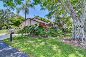 5319  Fairway Woods Drive 2712 For Sale 10619422, FL