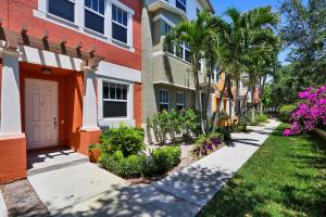 590  Amador Lane 3 For Sale 10621214, FL