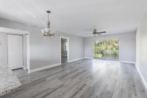 120  Lake Meryl Drive 217 For Sale 10621278, FL