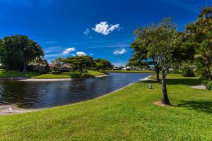 23  Estate Drive  For Sale 10621544, FL