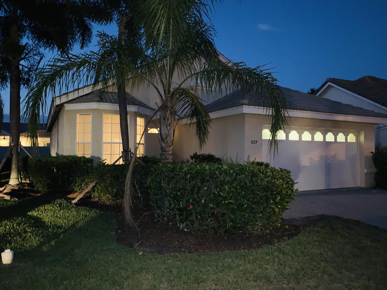 829 SW Lake Charles Circle Port Saint Lucie, FL 34986