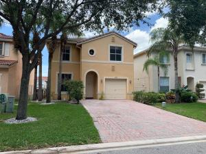 4377  Lake Lucerne Circle  For Sale 10585956, FL