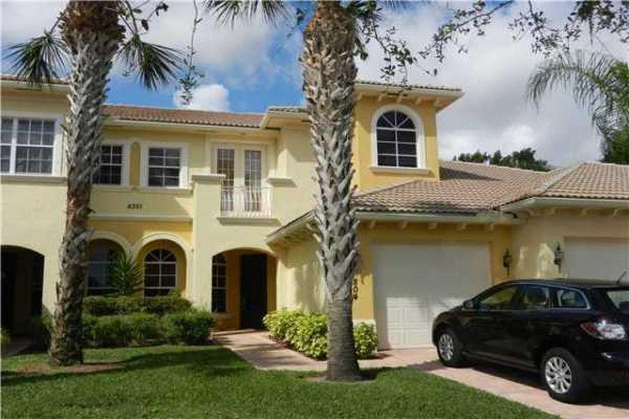 6351 Bella Circle 804 Boynton Beach, FL 33437